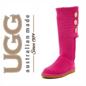 GORGEOUS!  UGG Australia Classic Cardy knit boots